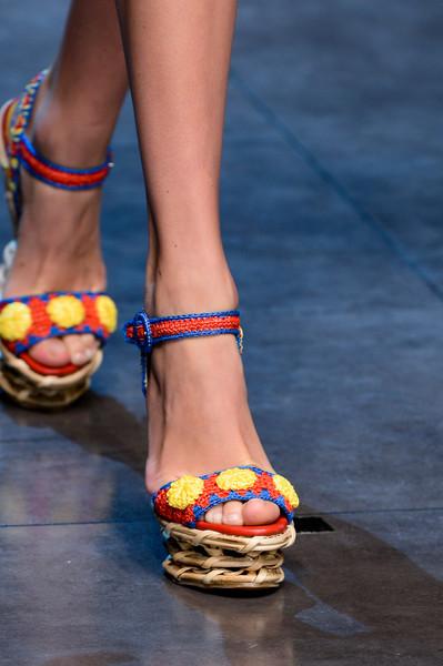 Dolce+Gabbana+Spring+2013+Details+cmuG3233Hh9l