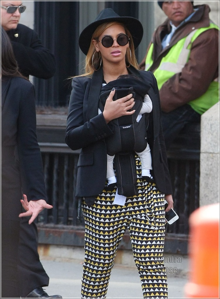 Mommy Beyonce would look fab with our 'Slouchy Shopper'!