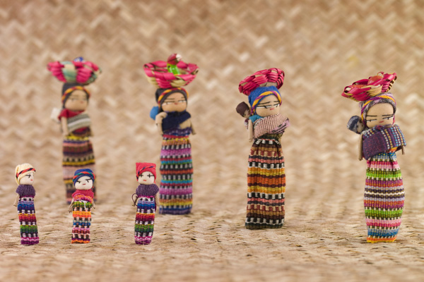 Source: http://digital-photography.org/digitalphotographyweeklyreview/wp-content/uploads/2011/01/guatemalan-dolls.jpg